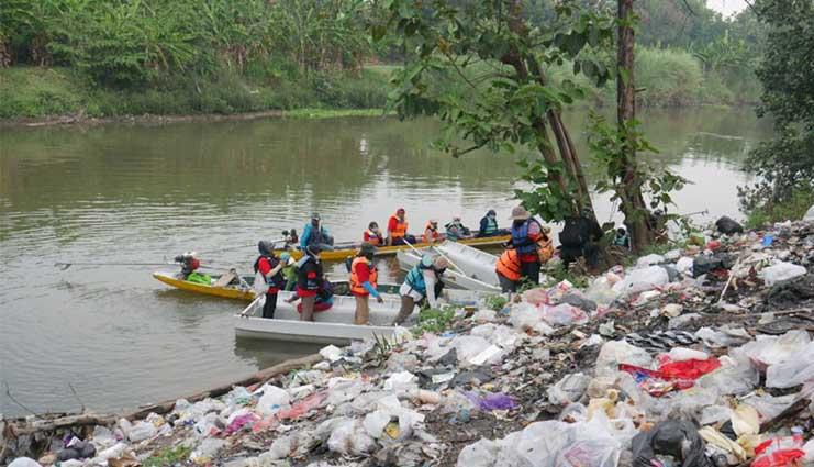 Menguatkan Peran Perempuan untuk Melindungi Sungai dari Pencemaran