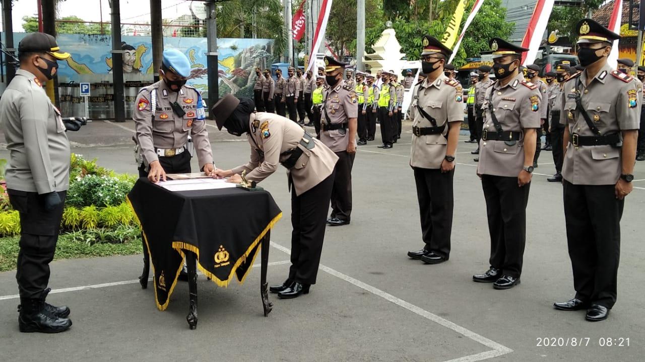 Penyegaran Organisasi, Polres Tulungagung Gelar Sertijab dan Rotasi Perwira