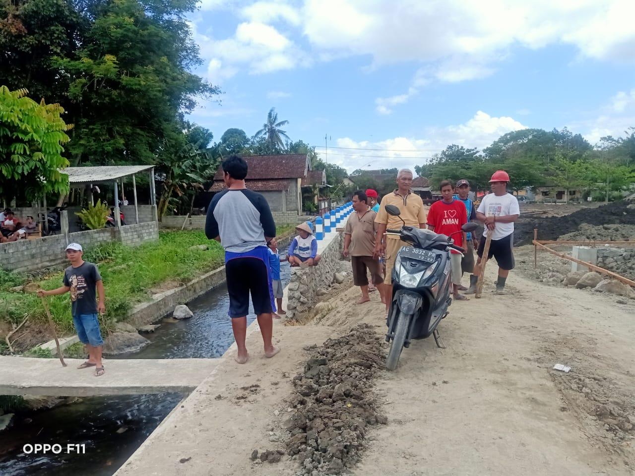 Aksi Warga Kelurahan Sentul, Lingkungan Jati Malang yang Merasa Tidak Digubris oleh Pihak Pelaksana Proyek