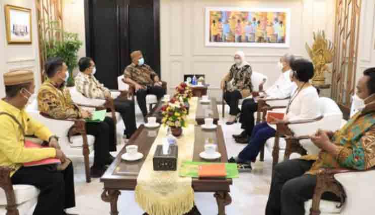 Sertifikat Lahan untuk BLK Diserahkan Gubernur Gorontalo ke Menaker