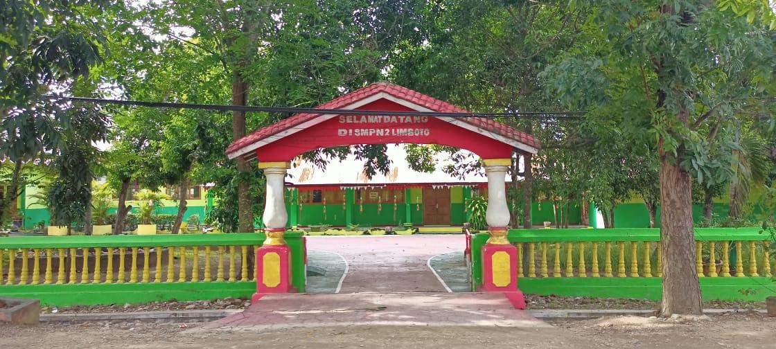 Seluruh Sekolah di Kabupaten Gorontalo Dibuka Mei, Guru Mulai Divaksin