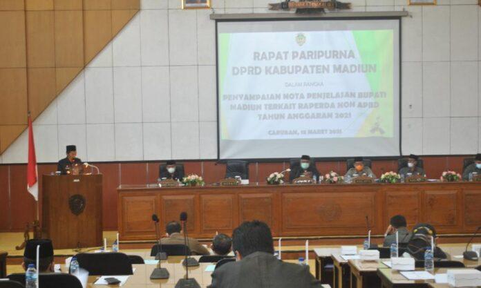 DPRD Kabupaten Madiun Gelar Rapat Paripurna Nota Penjelasan Bupati Madiun Terhadap 4 Raperda Non APBD Tahun 2021