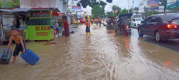 Jalanan, Kantor, Sekolah hingga Kampus di Limboto Terendam Banjir (Utama)